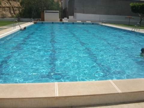 Almeria24h benahadux piscina municipal gratuita para for Piscina municipal almeria