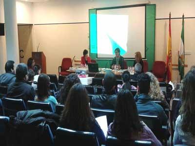 El Servicio Andaluz de Empleo acerca sus programas y recursos a los trabajadores sociales de Almería