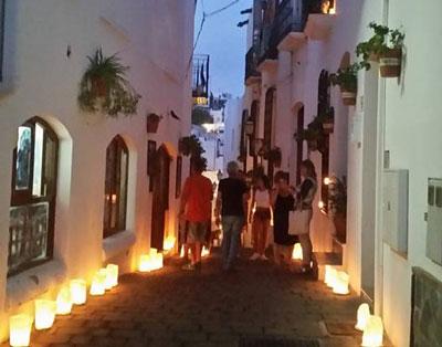 Almeria24h mojcar xito de la noche de las velas en mojcar for Oficina turismo mojacar