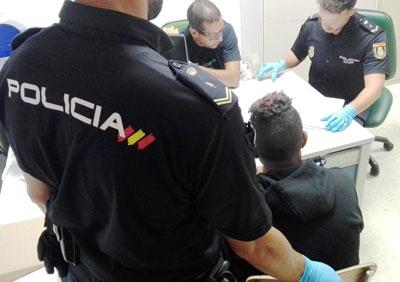Noticia de Almería 24h: La Policía Nacional detiene a cinco pateristas responsables de la introducción en España de decenas de inmigrantes
