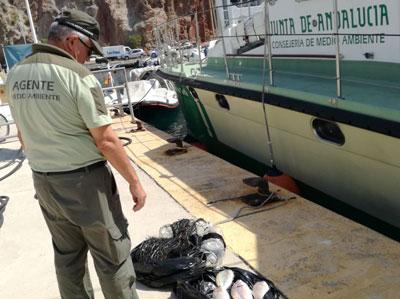 Noticia de Almería 24h: Retiran una red de pesca ilegal en la zona de reserva del  Parque Natural Cabo de Gata - Níjar