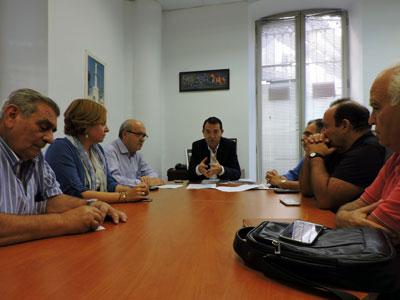 Almeria24h almer a el psoe exige al pp mayor for Oficina empleo almeria