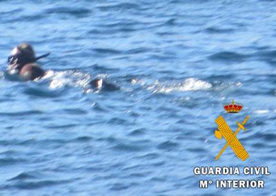 Noticia de Almería 24h: Sorprenden a un furtivo pescando ilegalmente en el Parque Natural de Cabo de Gata