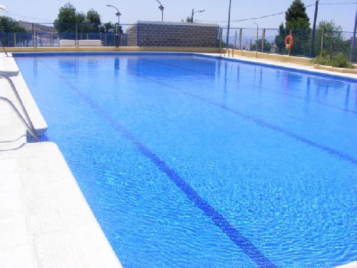 Los ciudadanos de albox ya pueden disfrutar de la piscina for Piscina municipal almeria